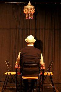 Vater Morgana - Komödie mit Livemusik im PEM Theater an den Elbbrücken in Hamburg